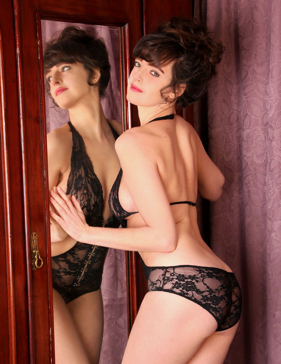 Double kate / Photography by david1500, Model kateC, Taken at Barlow studios / Uploaded 20th January 2015 @ 06:27 PM