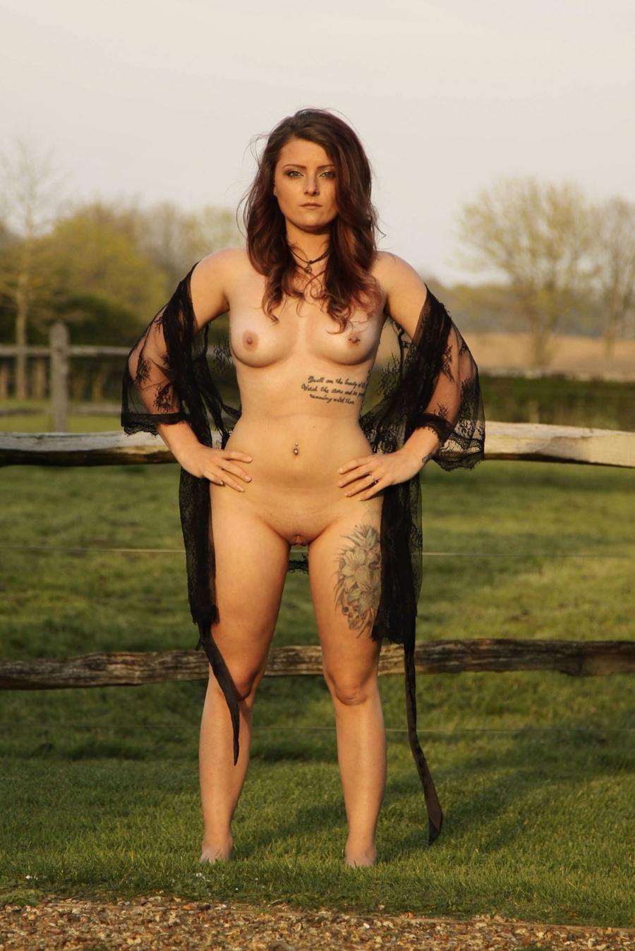 maria sharapova naked at beach