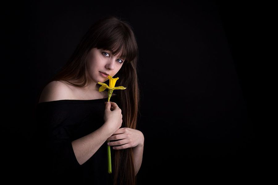 Daffodil / Photography by MTO, Model Hannah Frith, Taken at Shadow Studio / Uploaded 15th February 2018 @ 11:45 PM