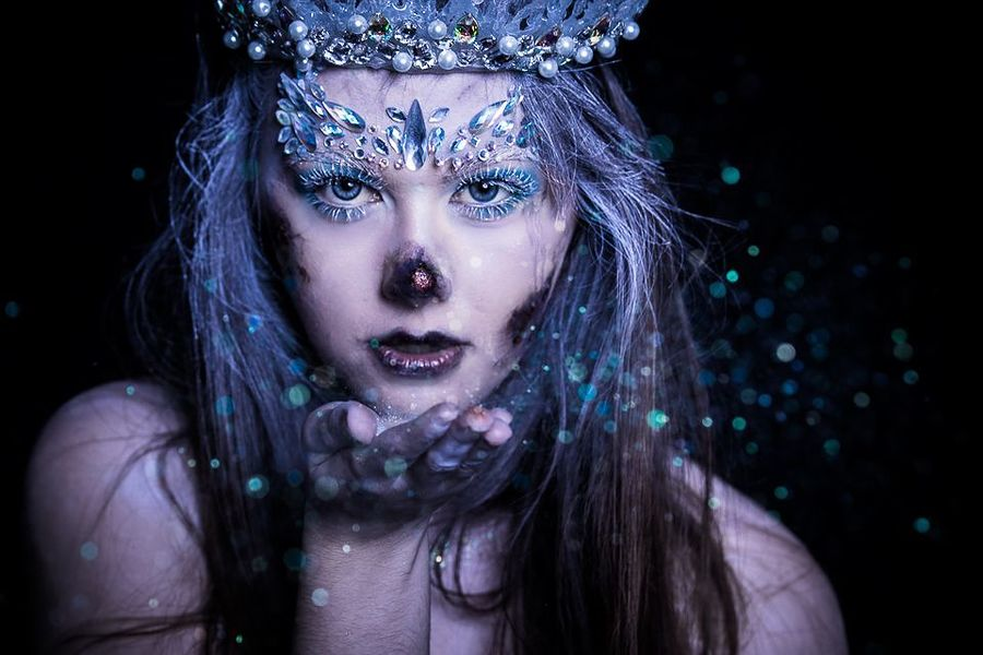 The cold never bothered me anyway.. / Photography by MTO, Model Hannah Frith, Post processing by MTO, Taken at Shadow Studio / Uploaded 10th April 2018 @ 08:31 PM