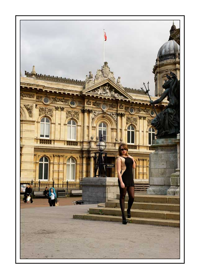 Hull City Centre fashion shot / Photography by Jerome Razoir, Makeup by Penny Dreadful, Post processing by Jerome Razoir / Uploaded 13th October 2013 @ 10:20 PM