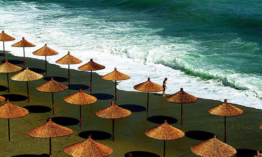 Greek beach / Photography by Jerome Razoir, Post processing by Jerome Razoir / Uploaded 4th January 2017 @ 03:56 PM