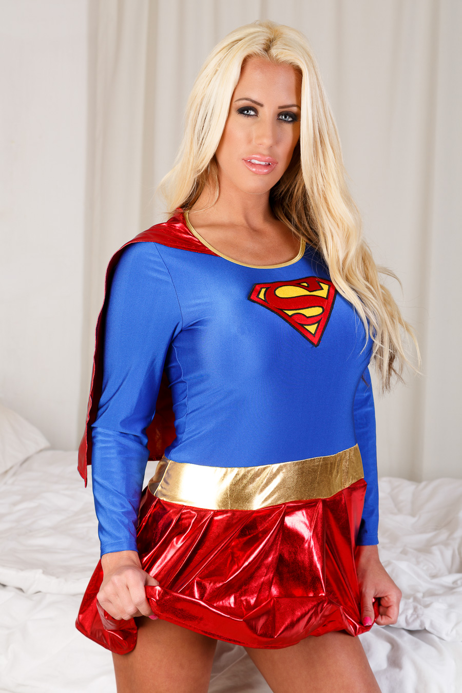 Supergirl / Photography by Dave A / Uploaded 26th February 2015 @ 11:12 AM