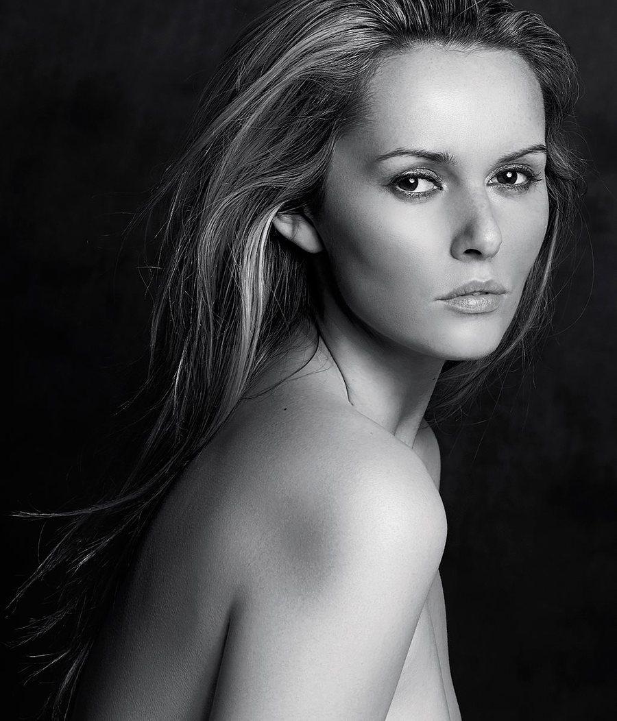 Natural Portrait / Model Carla Monaco / Uploaded 16th November 2015 @ 07:51 PM