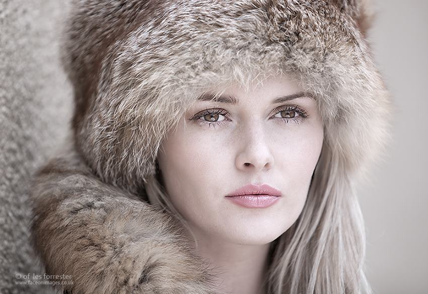The Russian Hat  / Photography by LesF, Model Carla Monaco / Uploaded 29th December 2014 @ 05:23 PM