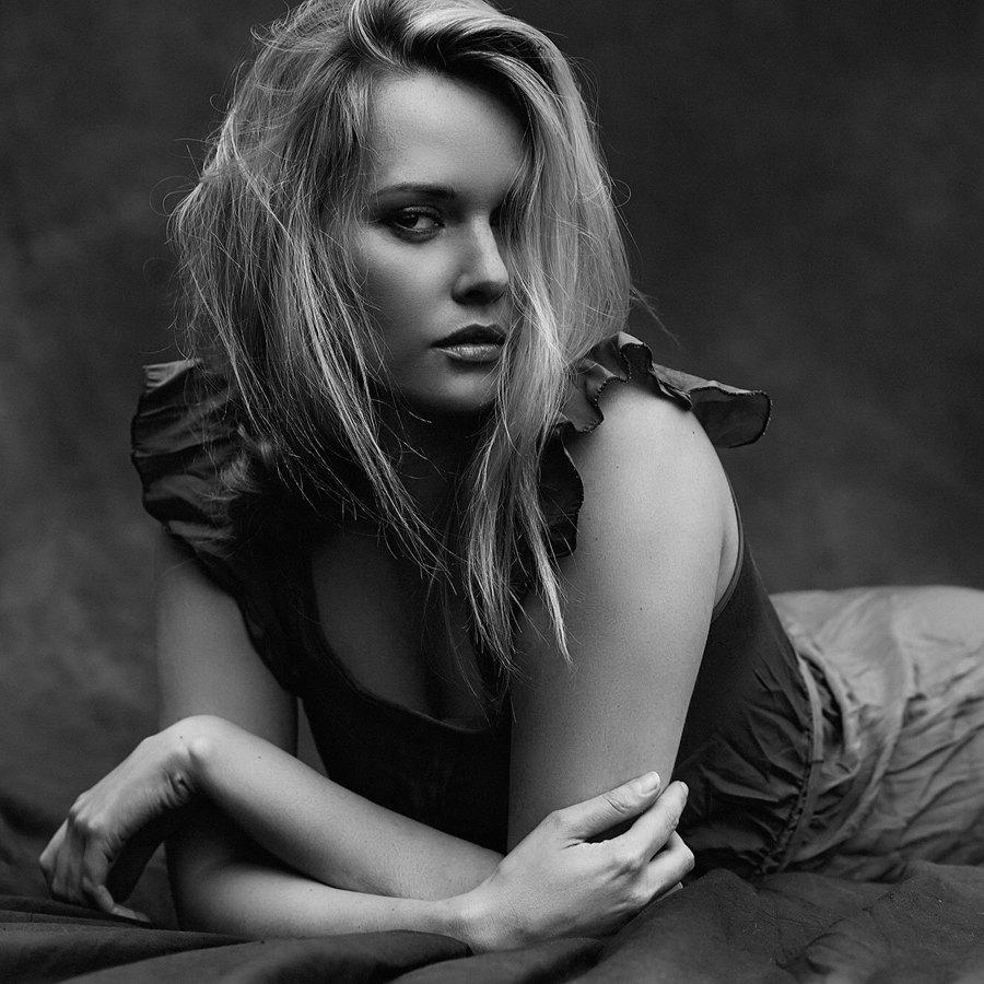 Model Carla Monaco / Uploaded 22nd September 2016 @ 07:36 PM