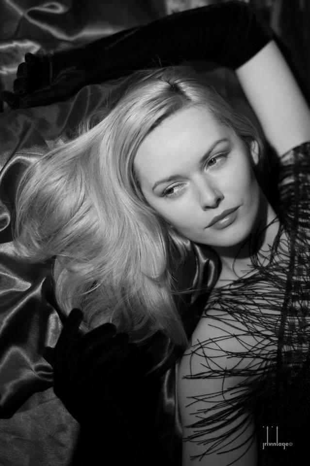 Miss Lake / Model Carla Monaco / Uploaded 30th October 2017 @ 07:46 PM