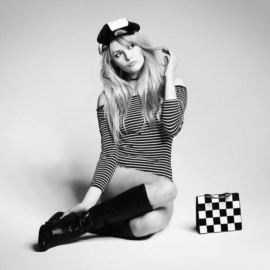 Mojo / Model Carla Monaco / Uploaded 13th November 2017 @ 05:09 PM