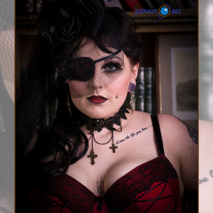 Goth chick / Photography by jdphoto.biz / Uploaded 3rd May 2018 @ 05:50 PM