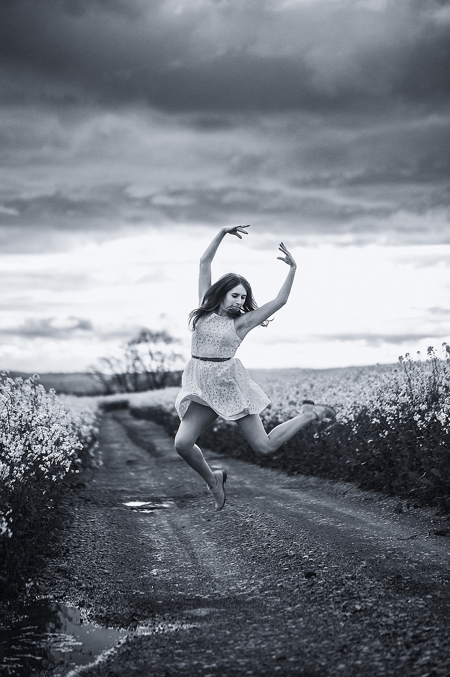 Dancing in the fields / Photography by jakabi / Uploaded 2nd September 2015 @ 12:11 PM
