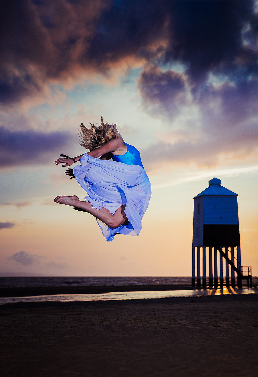 Paige - sunset leap (2) / Photography by jakabi, Post processing by jakabi / Uploaded 23rd August 2017 @ 10:24 PM