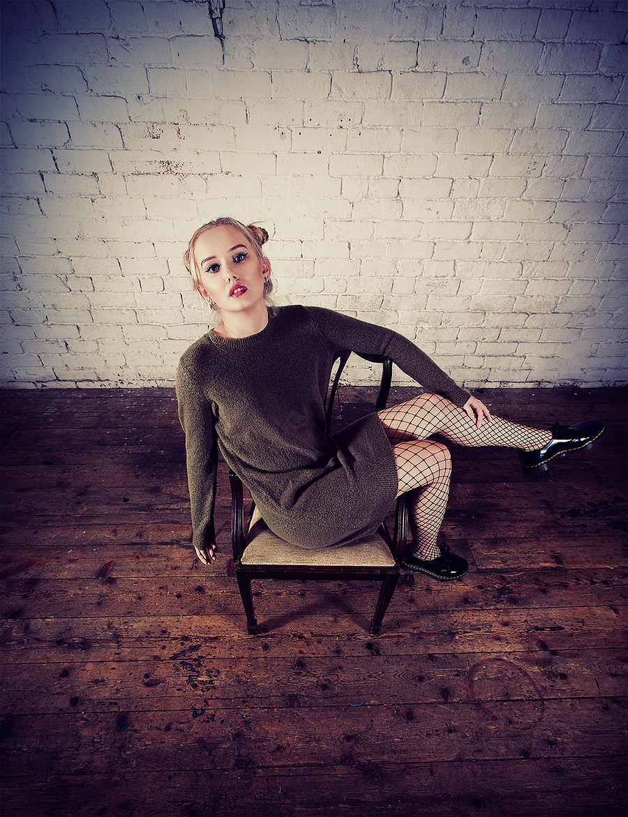 Sophie - seated with shiny shoes / Photography by jakabi, Model SophieMarie, Post processing by jakabi, Stylist SophieMarie, Taken at Image Red / Uploaded 29th September 2017 @ 12:31 PM