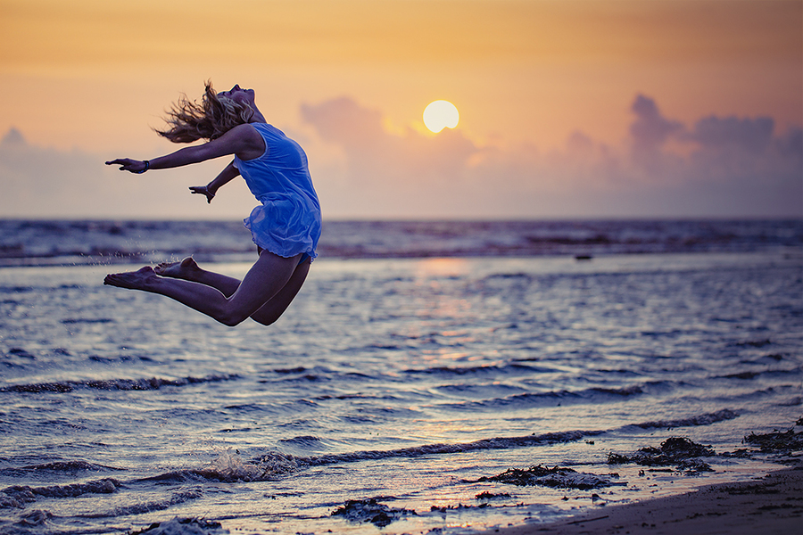 Paige - sunset leap (3) / Photography by jakabi, Post processing by jakabi / Uploaded 24th October 2017 @ 02:30 PM