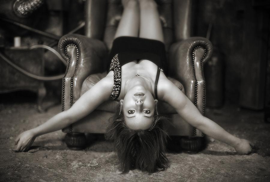 Monika - upside down / Photography by jakabi, Model Monika Wiatrowska, Post processing by jakabi / Uploaded 11th March 2019 @ 03:26 PM