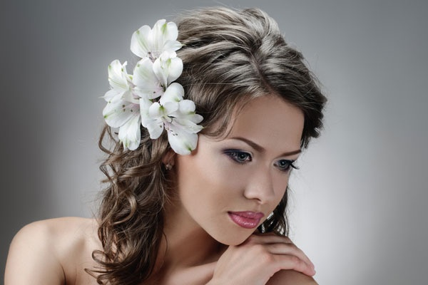 Hair curled with white petals / Hair styling by Darren2014 / Uploaded 5th March 2014 @ 08:15 PM