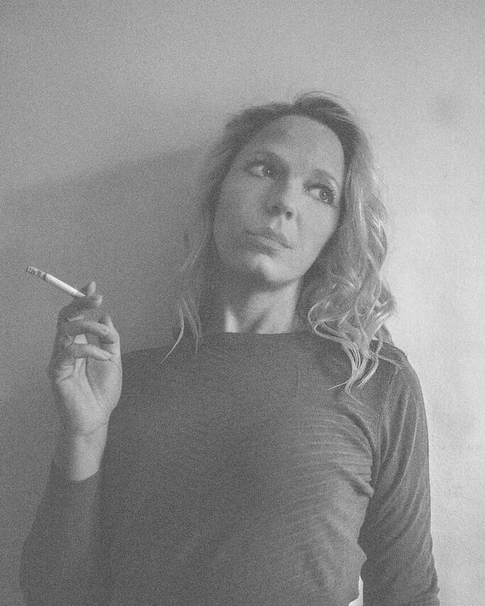 Relaxed smoking / Model chrissy j / Uploaded 3rd June 2016 @ 09:25 AM