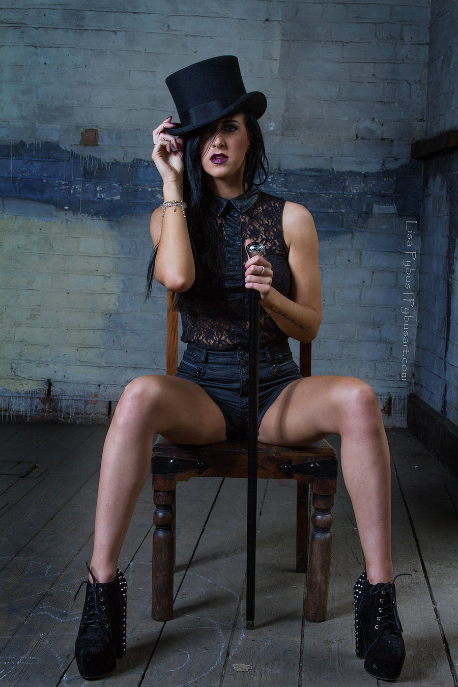In charge / Photography by Lisa Ford, Taken at The Pit Studio UK / Uploaded 23rd June 2015 @ 09:08 PM