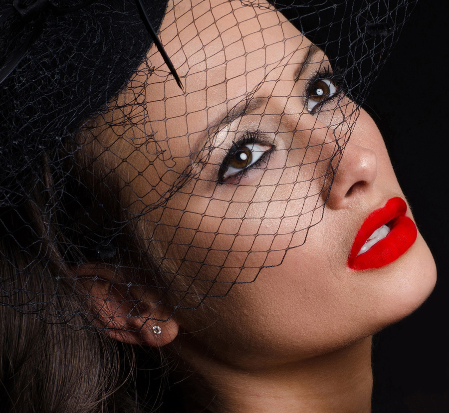 Beautiful woman wearing a fascinator / Photography by RealWorldStu, Model KelliSmith, Makeup by KelliSmith, Post processing by RealWorldStu / Uploaded 28th March 2014 @ 06:55 PM