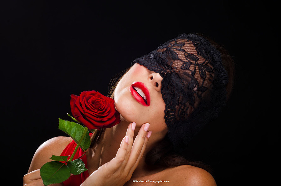 Katie Green, with red rose / Photography by RealWorldStu, Post processing by RealWorldStu, Taken at Saracen House Studio / Uploaded 18th March 2017 @ 09:00 PM