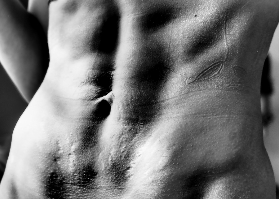 Abs, Life & Modelling Scars / Photography by BobskiRGV, Post processing by BobskiRGV / Uploaded 24th June 2018 @ 11:41 PM