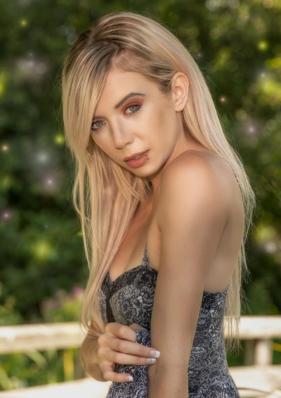Portrait of Jordan / Photography by C&L Photo Studios, Model Jordan Melissa, Taken at C&L Photo Studios / Uploaded 22nd September 2019 @ 06:46 AM