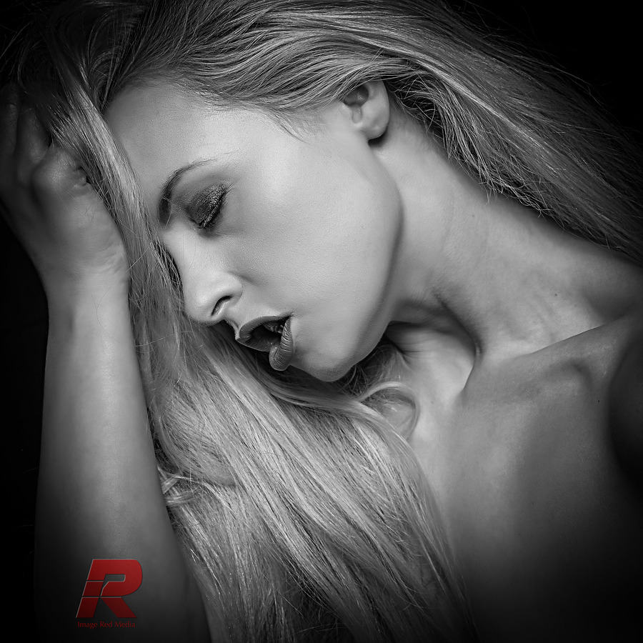 agony or ecstasy / Photography by Image Red, Model Keira Lavelle, Makeup by Keira Lavelle, Post processing by Image Red, Taken at Image Red / Uploaded 15th January 2019 @ 11:39 AM