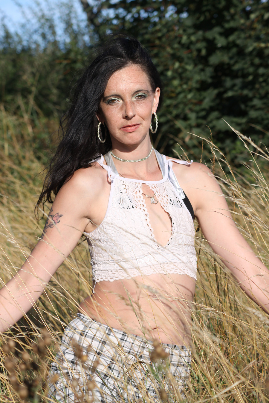 Out In The Fields / Photography by Fenland Photographic, Model diamond m / Uploaded 23rd August 2020 @ 09:23 PM