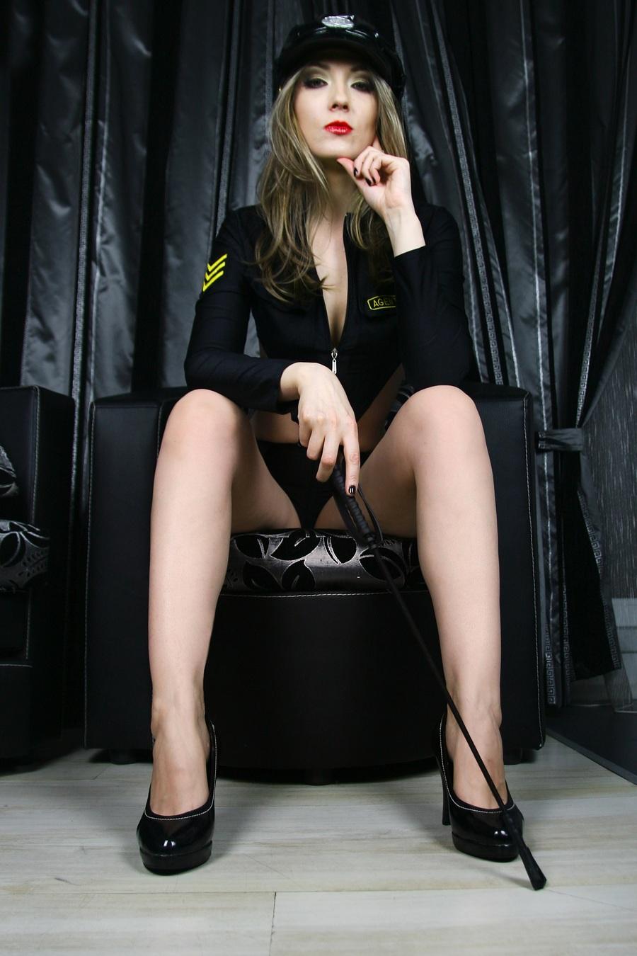 Mistress / Photography by Anna Edelrid, Model JoanaRuby / Uploaded 28th September 2017 @ 05:33 PM