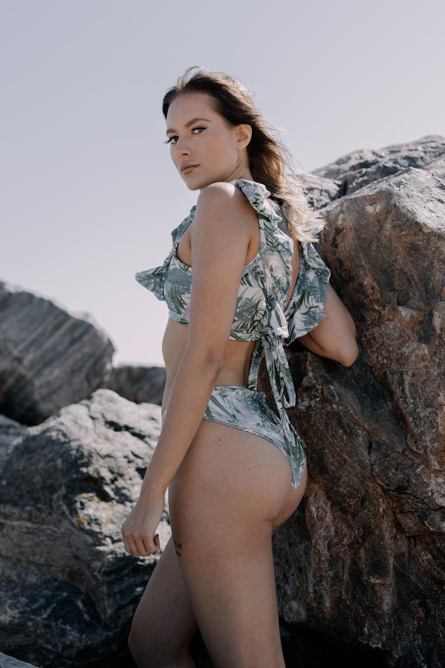 Its beach weather  / Photography by Scott Davis, Model Abbeygracelargent / Uploaded 2nd June 2021 @ 01:15 PM