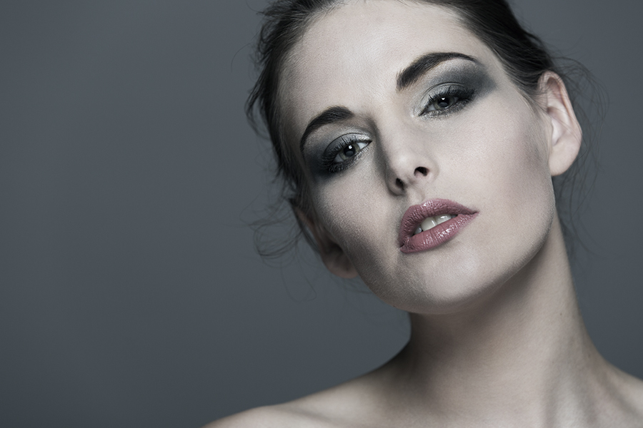 Caz 4 / Photography by Peej, Model Cariad, Makeup by Cariad / Uploaded 6th August 2018 @ 06:28 PM