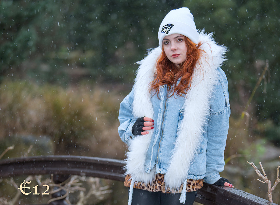 FROZEN FINGERS / Photography by E12, Model Rosedame / Uploaded 7th February 2021 @ 09:38 PM