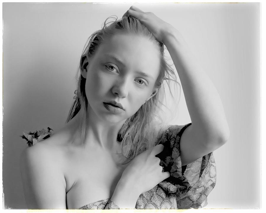 Photography by Simon Cole, Model HelenBettyAnn / Uploaded 22nd June 2016 @ 10:39 PM