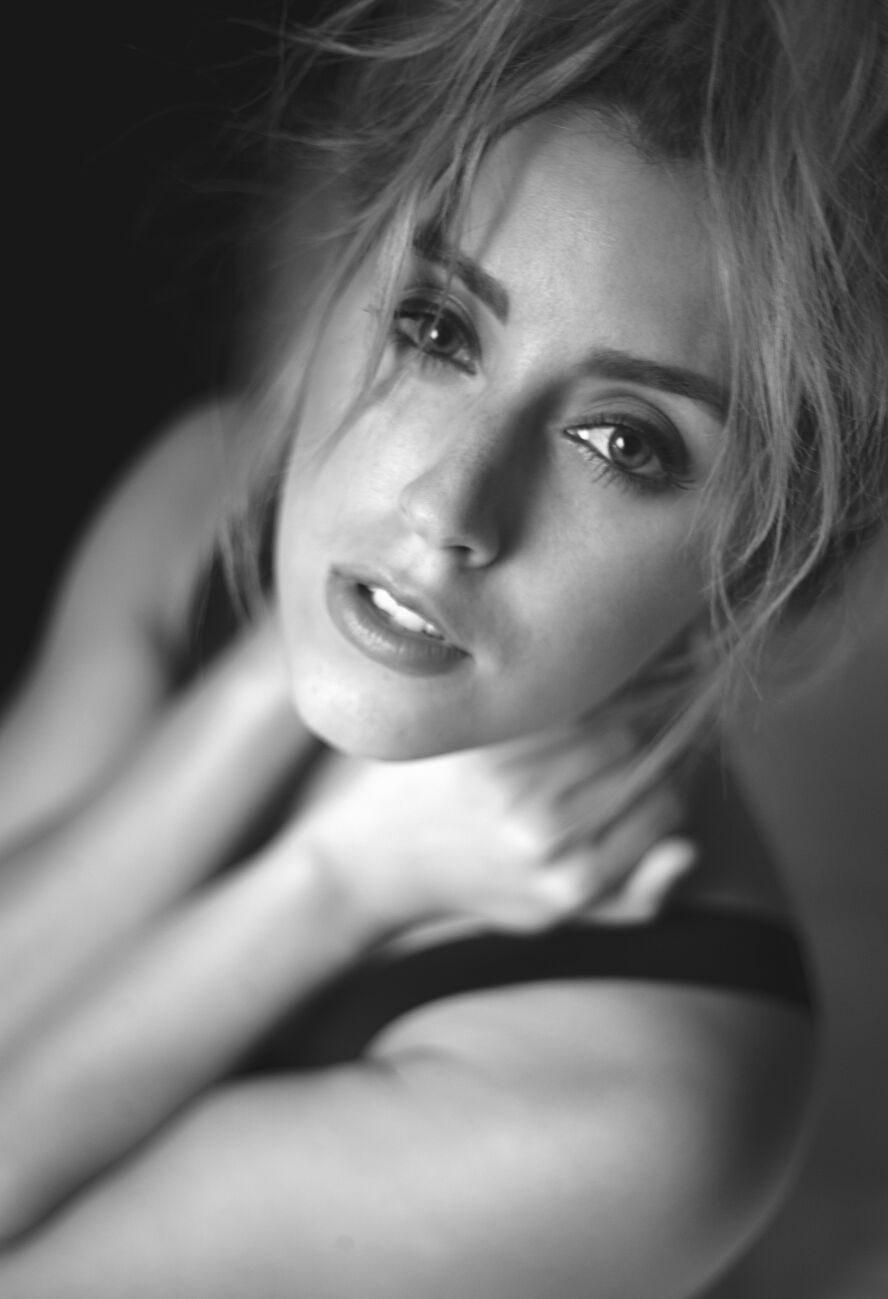 Hazel eyes / Photography by Blacklion246, Model katie Anna / Uploaded 24th October 2016 @ 09:00 PM
