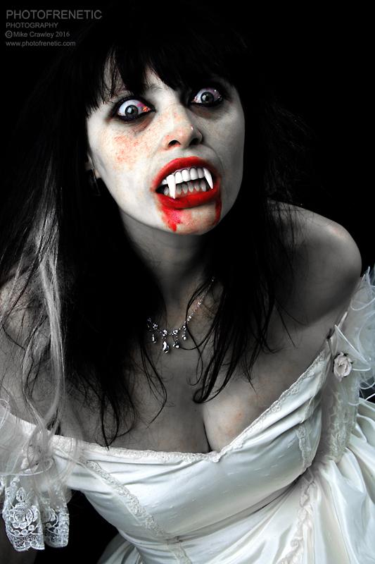 Vampyre (Happy Halloween!) / Photography by Photofrenetic, Model Akasha, Post processing by Photofrenetic, Taken at Photofrenetic / Uploaded 31st October 2016 @ 11:00 PM