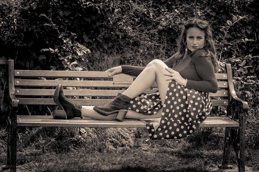 Beauty and the bench! / Photography by NorthernPhotography, Model NOVA EVELYNNE / Uploaded 25th August 2020 @ 02:19 PM