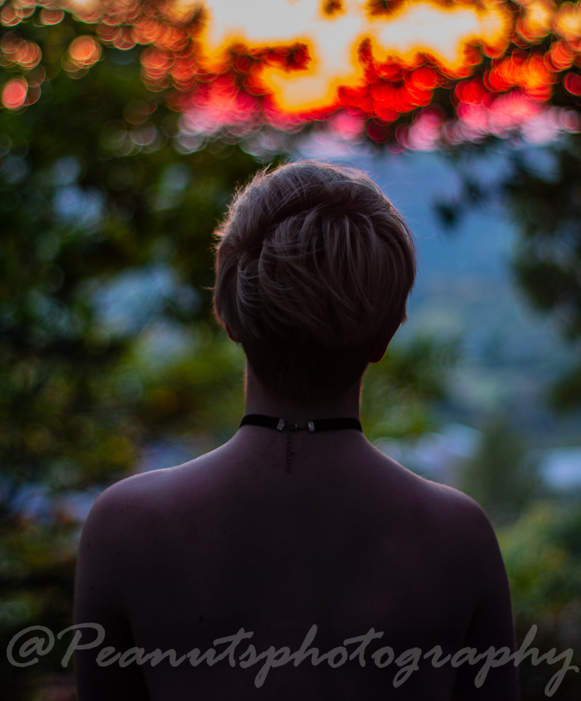 watching the sunset / Photography by Peanuts, Model Jess_hulme, Makeup by Jess_hulme, Post processing by Peanuts, Hair styling by Jess_hulme / Uploaded 14th October 2018 @ 09:42 AM