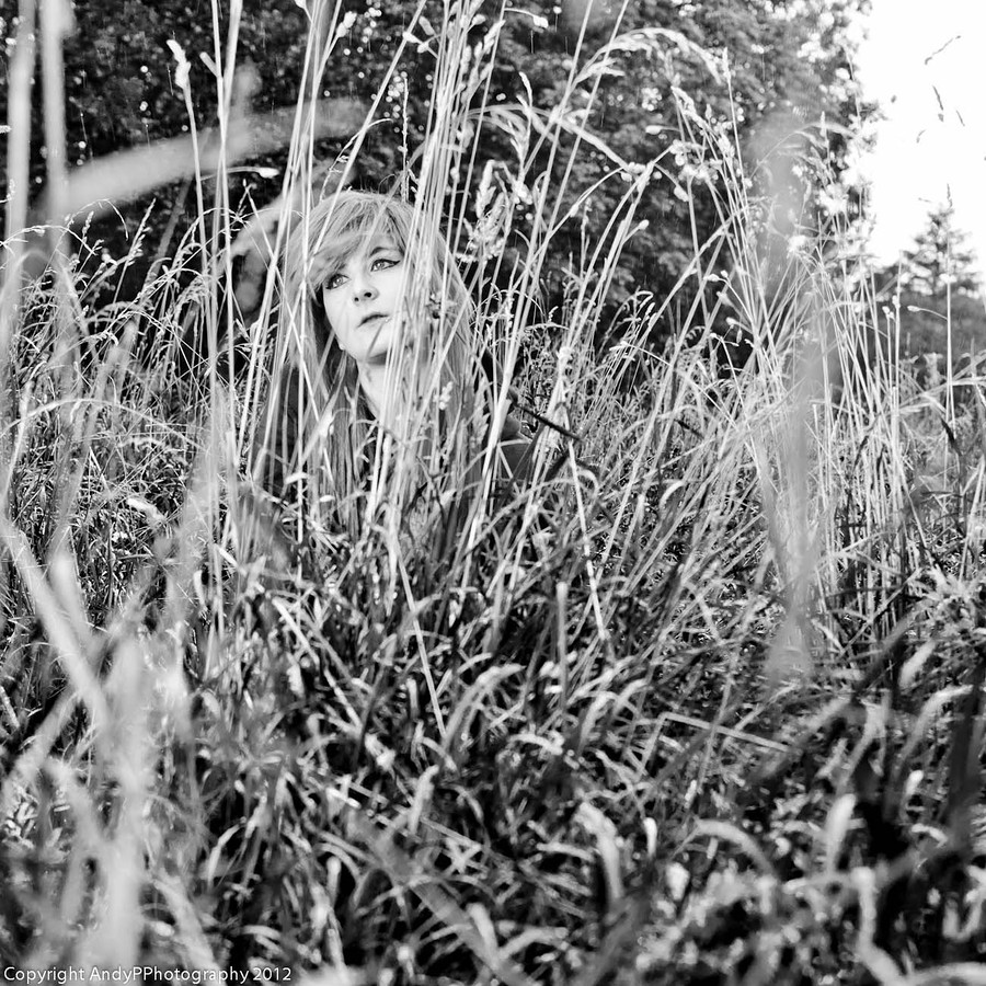 Kizzeh in the long grass