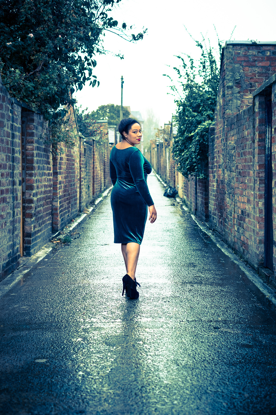 Alley / Photography by AndyPPhotography, Model Hannah La Rouge / Uploaded 26th October 2017 @ 01:29 PM