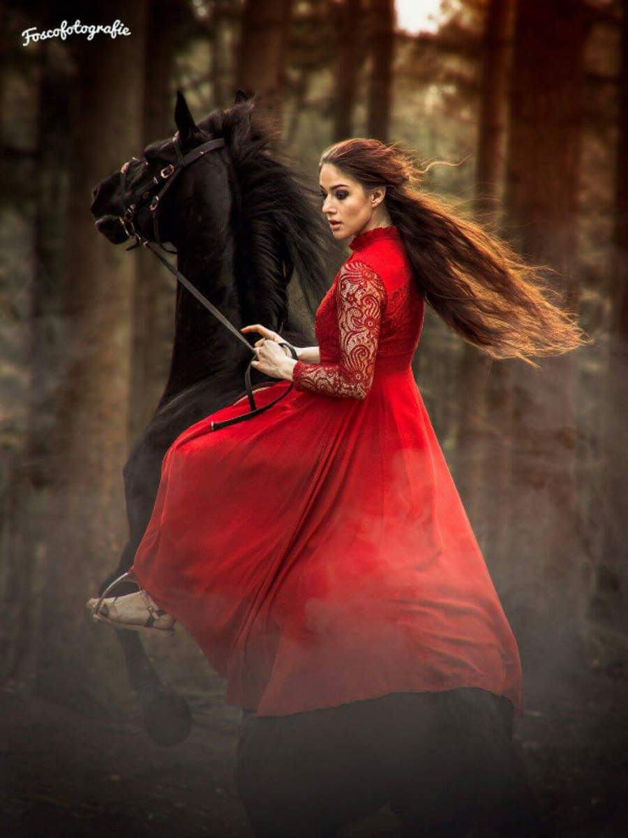 Red princess / Model Joy Draiki / Uploaded 18th June 2017 @ 07:38 AM