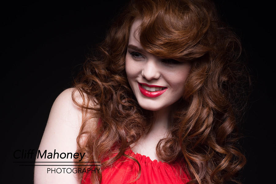Lady in Red / Photography by CliffM, Model MissDeadlyRed / Uploaded 31st October 2015 @ 12:02 PM