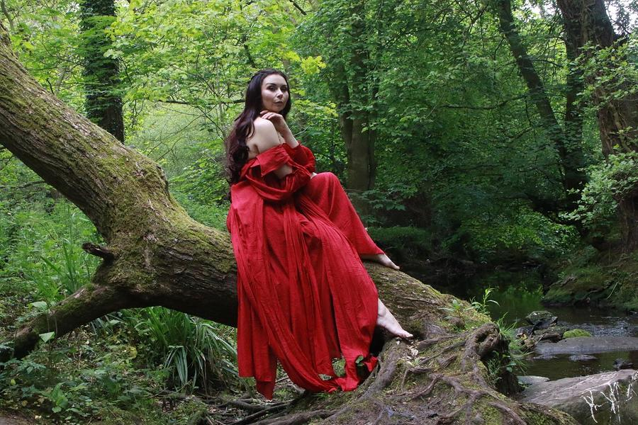 Woodland Red / Photography by BRG Photography, Model Miss Honey Malone / Uploaded 26th May 2019 @ 03:30 PM
