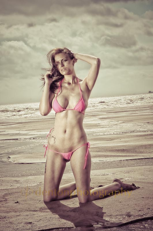 a day at the beach / Model laura slater / Uploaded 26th August 2012 @ 07:55 PM