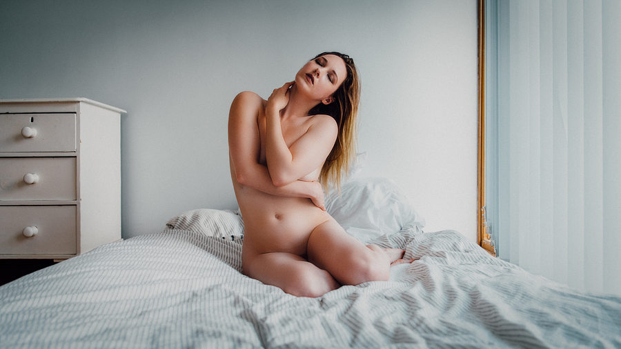 I woke up this way / Photography by Adrian Court, Model Em Theresa, Post processing by Adrian Court / Uploaded 23rd August 2018 @ 10:20 PM