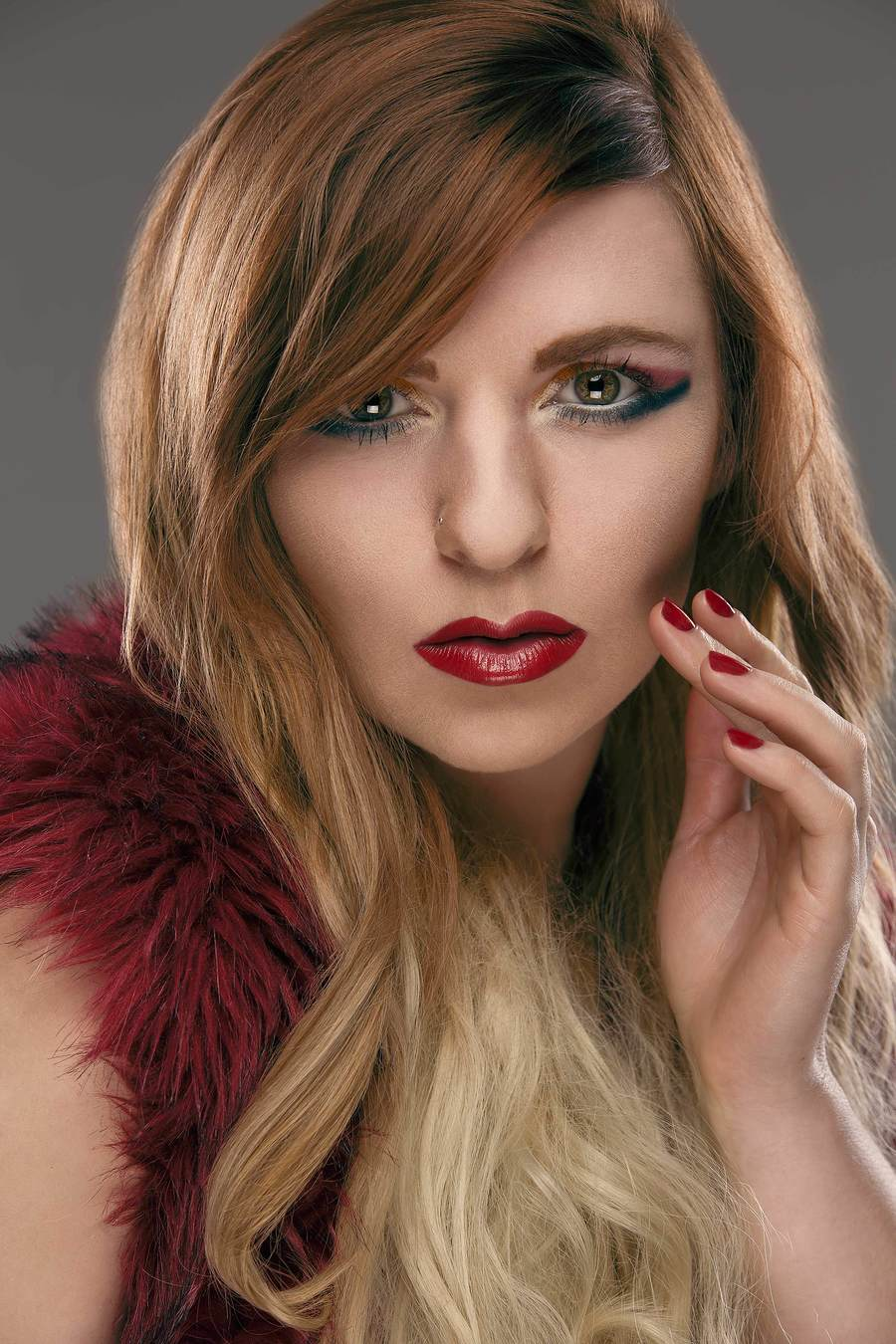 Lips as Red as Roses / Photography by Grewy, Model Helen-Rose, Makeup by Helen-Rose, Post processing by Grewy / Uploaded 2nd January 2019 @ 04:06 PM
