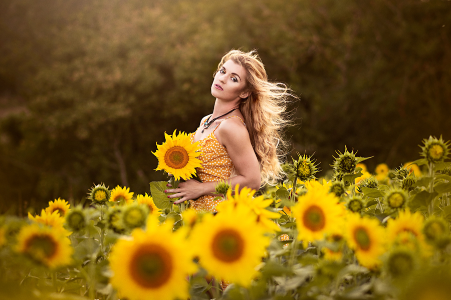 Mellow Yellow / Photography by Thelema, Model Helen-Rose, Makeup by Helen-Rose, Post processing by Thelema / Uploaded 8th September 2020 @ 05:59 AM