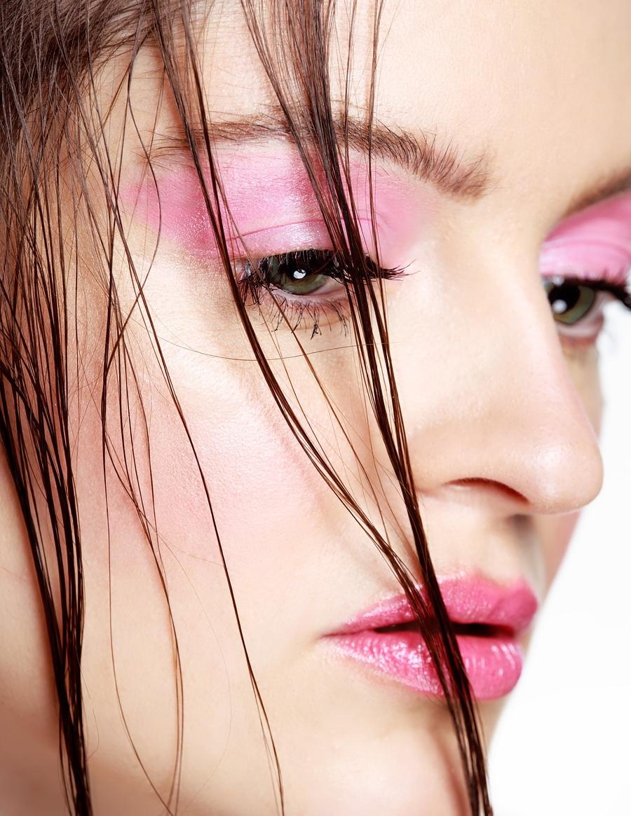 Pop of pink / Model lozzagreen / Uploaded 19th January 2021 @ 06:07 PM
