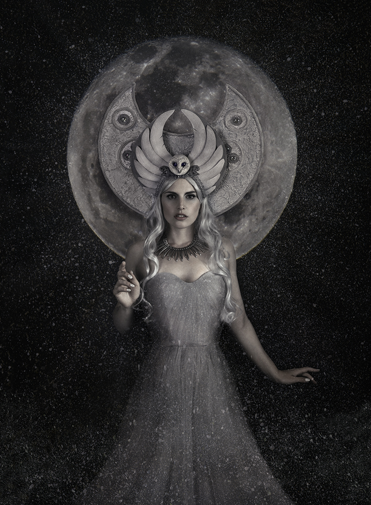 Arianrhod goddess of the moon / Photography by lorraine, Model Cariad Celis, Makeup by lorraine, Stylist lorraine / Uploaded 18th April 2019 @ 09:53 AM