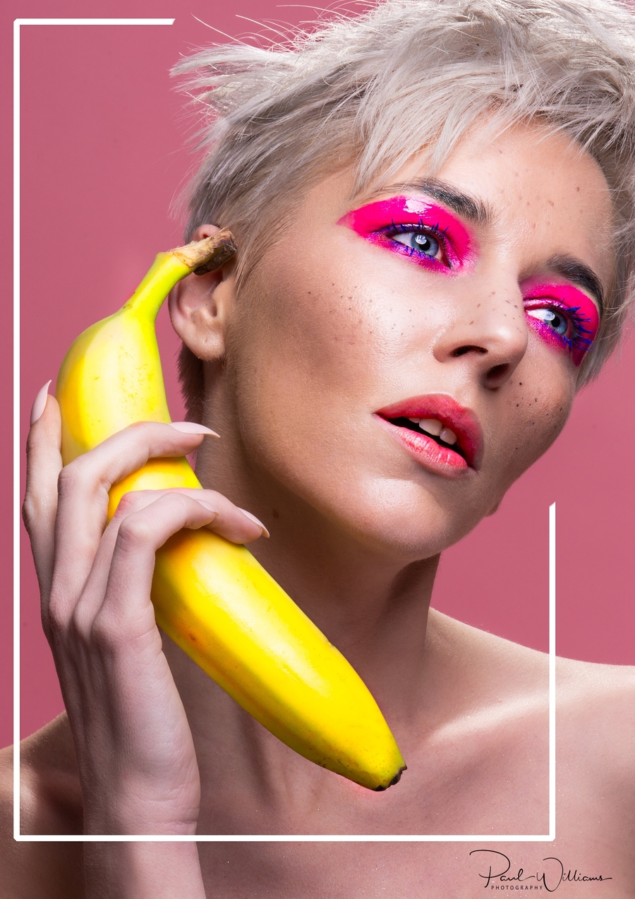 Apple phone's are so last year! / Photography by Paul Williams photography, Model Amie Boulton, Makeup by Beautywithin, Taken at Inspire Studios Ltd / Uploaded 15th January 2019 @ 09:17 AM