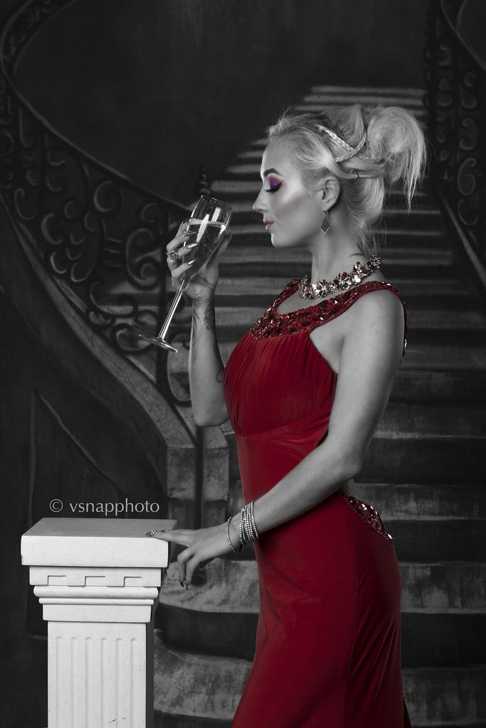 Elegant yet simple / Model Littlemissloon / Uploaded 28th October 2016 @ 11:13 PM