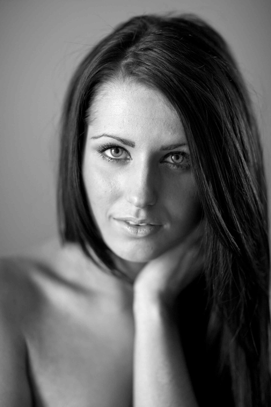 Lora Jay Portrait in Natural light / Photography by Alastair / Uploaded 1st July 2012 @ 03:33 PM